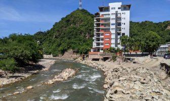 Le siguen quitando espacio al Río Cuale en El Caloso